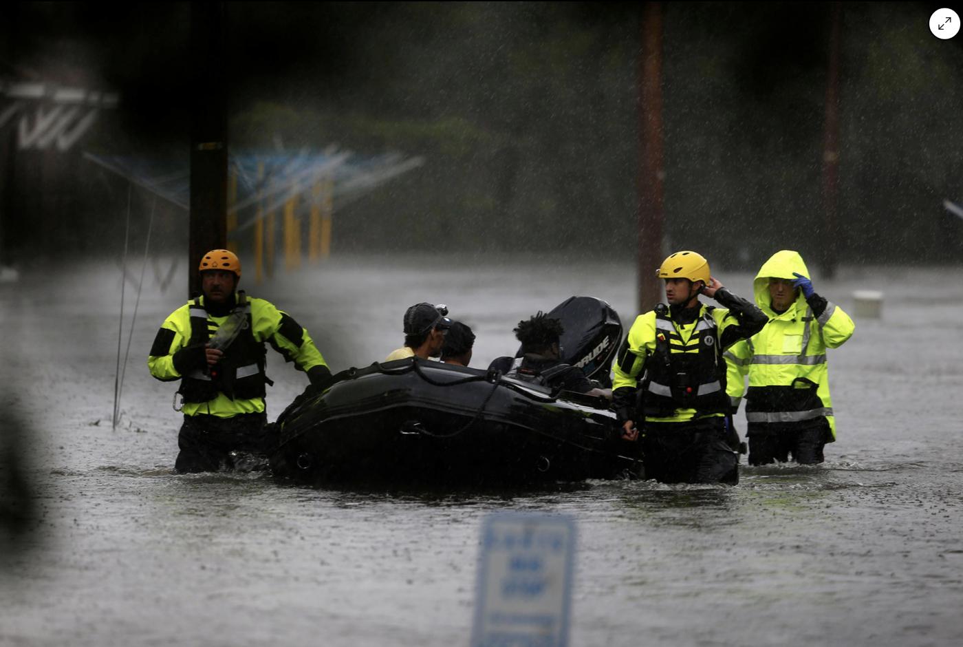 惨不忍睹:狂风袭击下的美国和香港_图1-14