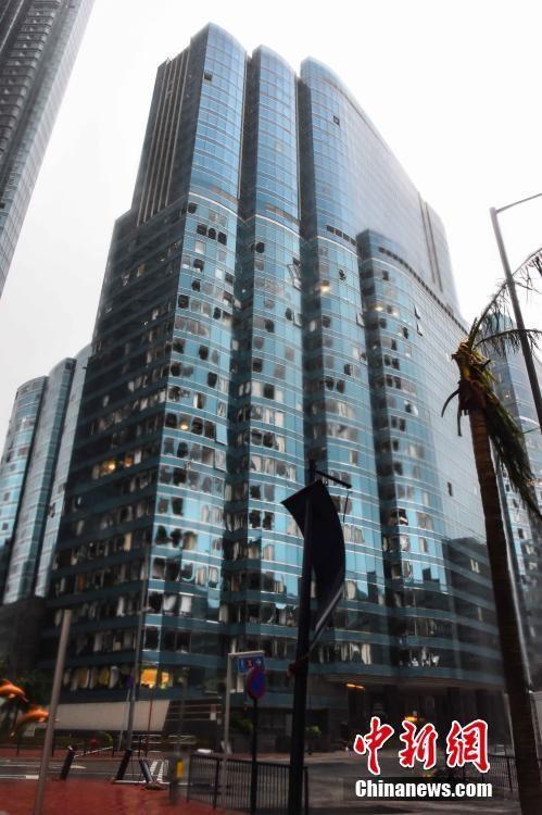 惨不忍睹:狂风袭击下的美国和香港_图1-9