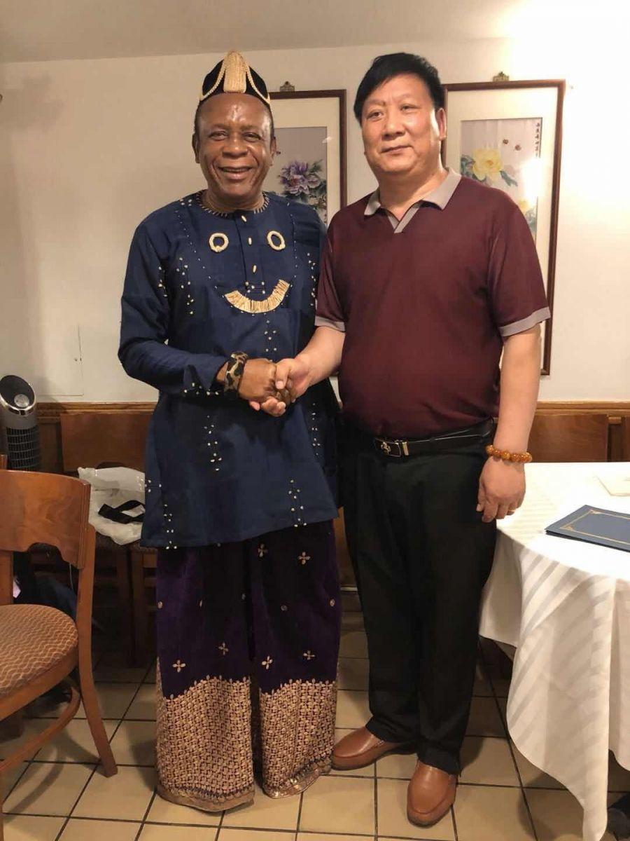 王先生的真实身份曝光-和非洲多个国家的国王、皇后和 总统_图1-1