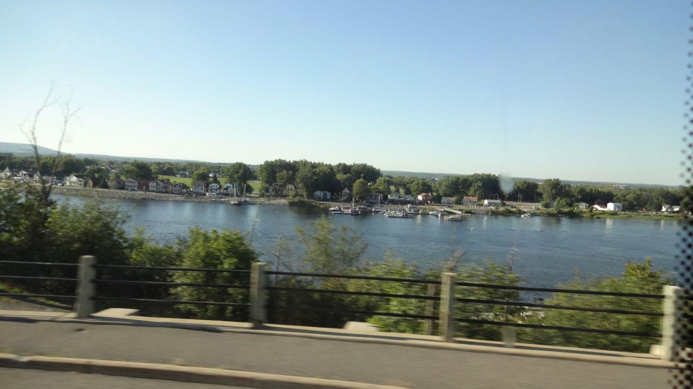 加东三天游 第二天  蒙特利尔 Montreal  和 魁北克城 Quebec City_图1-2