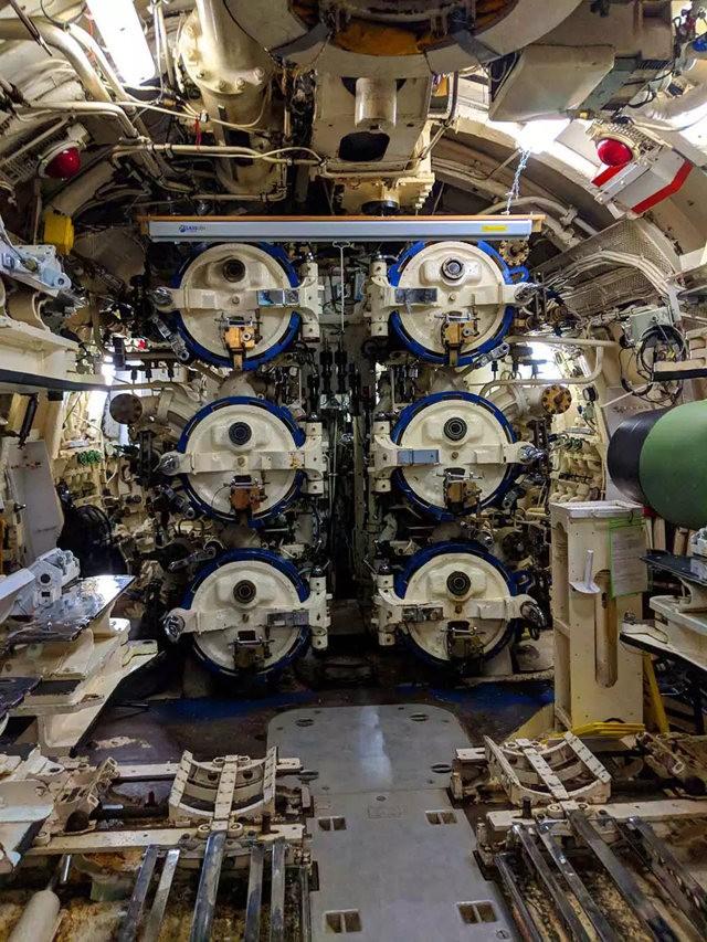 奥内达加冷战潜艇_图1-7