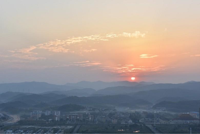 国庆节的太阳_图1-9