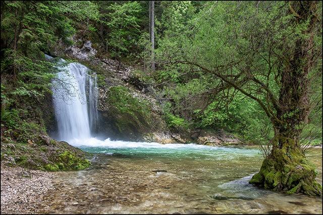 博希尼湖看瀑布_图1-5