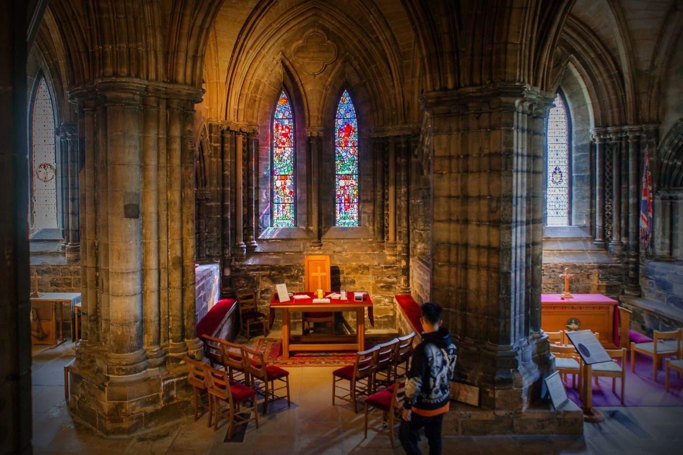 格拉斯哥大教堂,辉煌的窗户玻璃_图1-17
