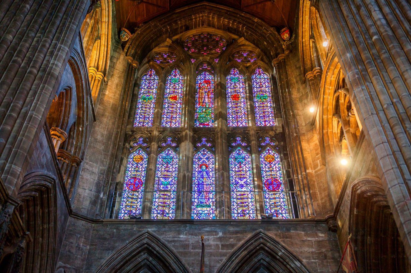 格拉斯哥大教堂,辉煌的窗户玻璃_图1-21