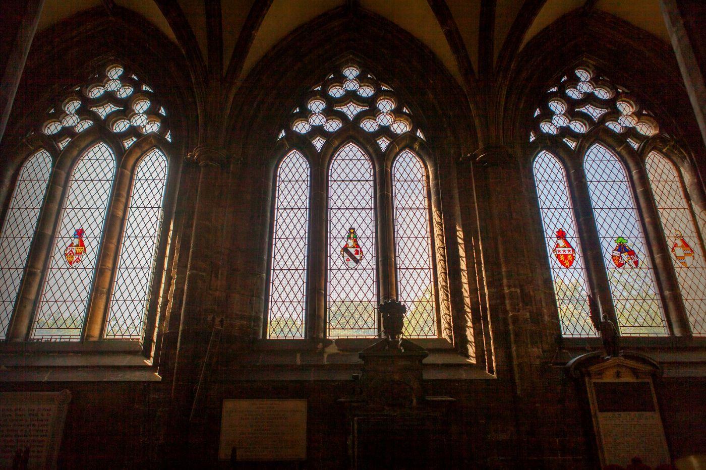 格拉斯哥大教堂,辉煌的窗户玻璃_图1-16