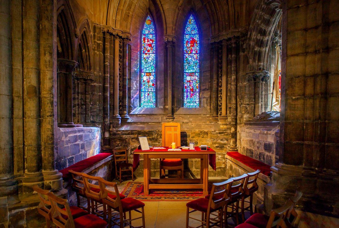 格拉斯哥大教堂,辉煌的窗户玻璃_图1-10