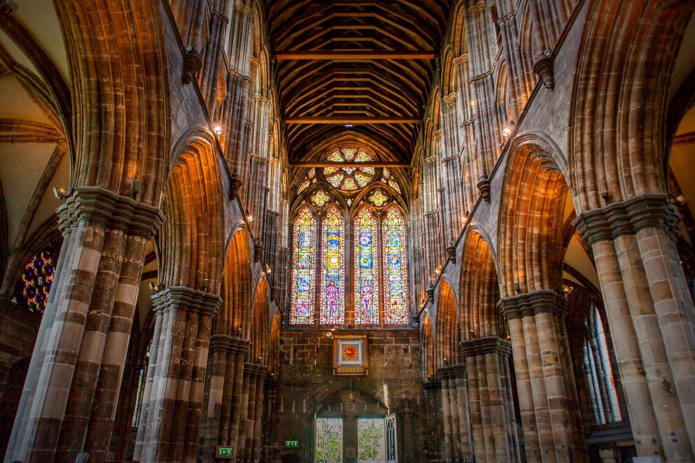 格拉斯哥大教堂,辉煌的窗户玻璃_图1-1