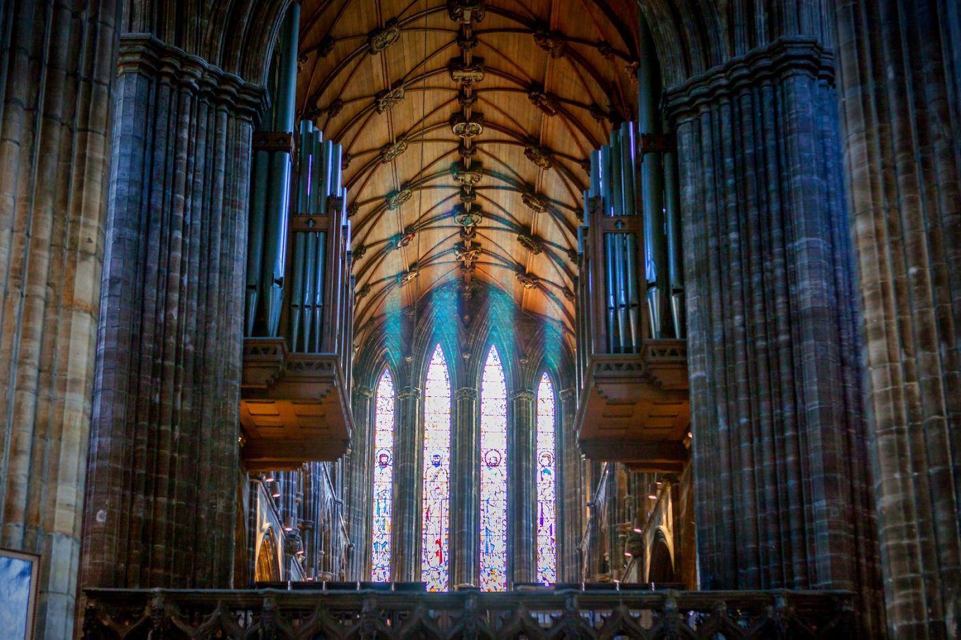 格拉斯哥大教堂,辉煌的窗户玻璃_图1-4
