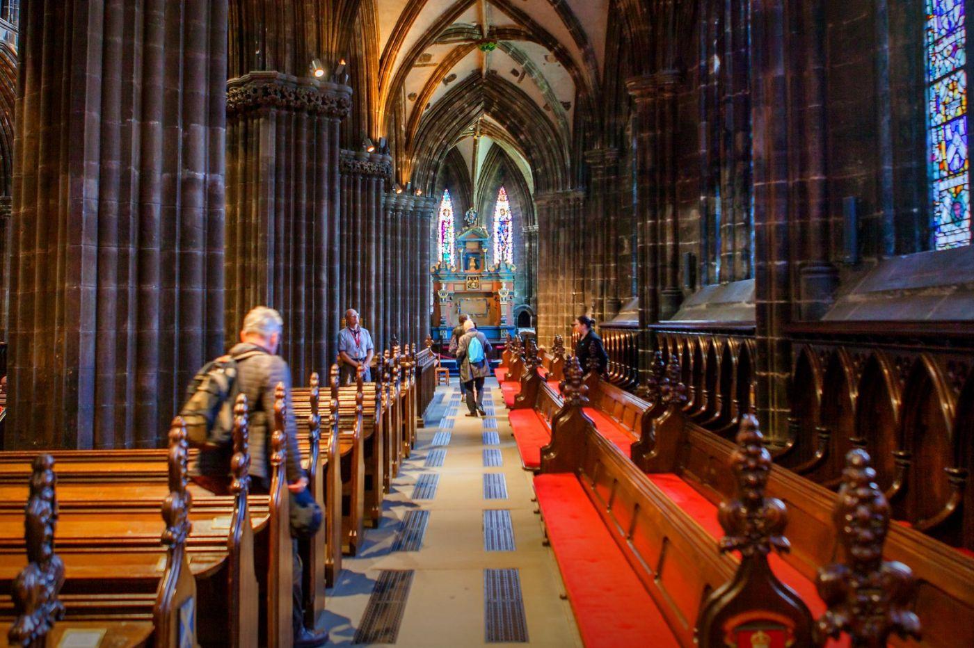 格拉斯哥大教堂,辉煌的窗户玻璃_图1-5