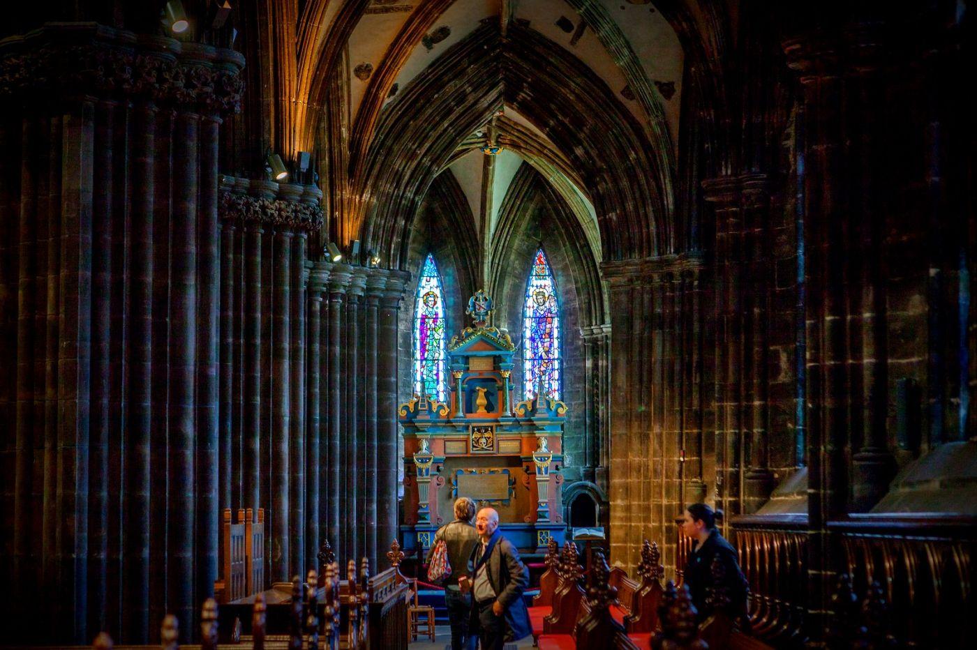 格拉斯哥大教堂,辉煌的窗户玻璃_图1-3