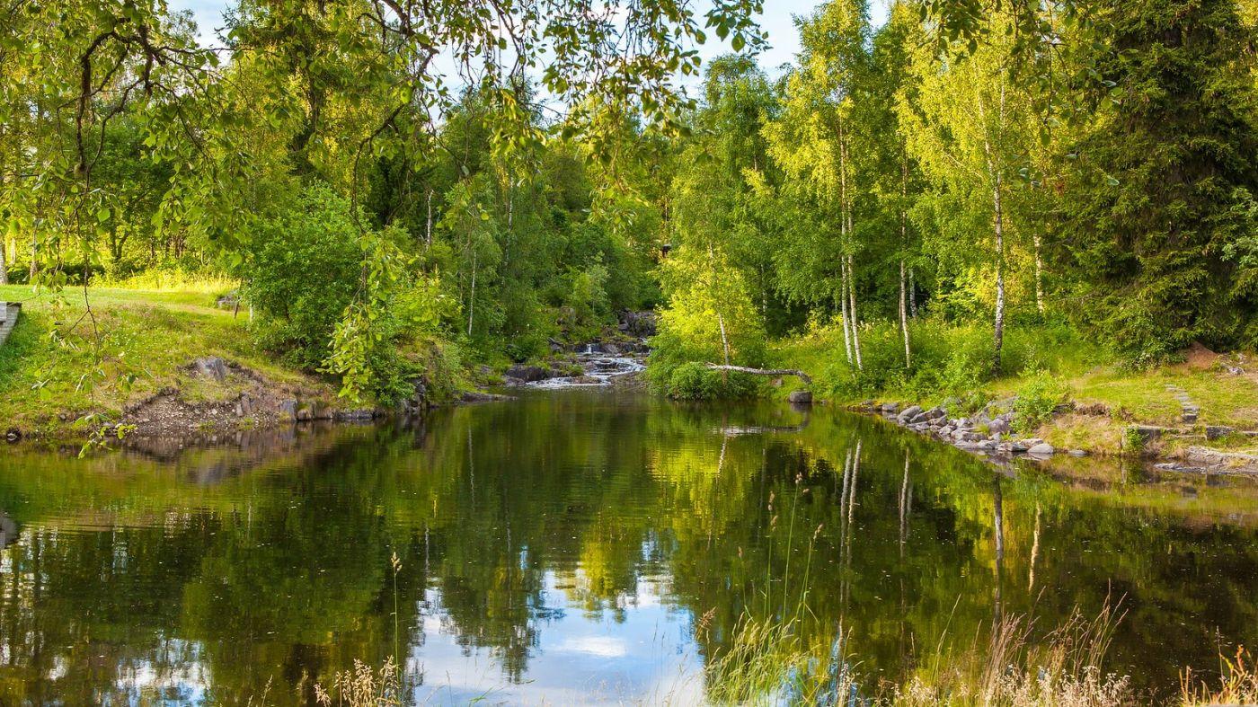 北欧风光,小桥溪水乡间一景_图1-7