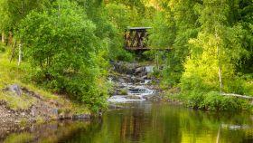 北欧风光,小桥溪水乡间一景