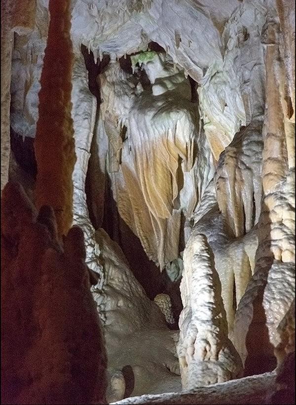 布莱湖洞穴_图1-10