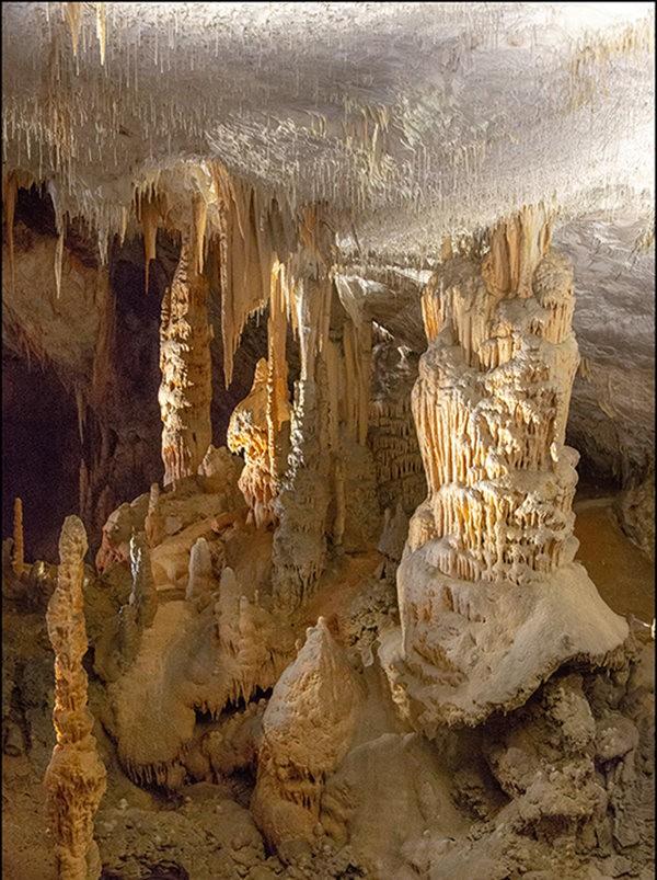 布莱湖洞穴_图1-11
