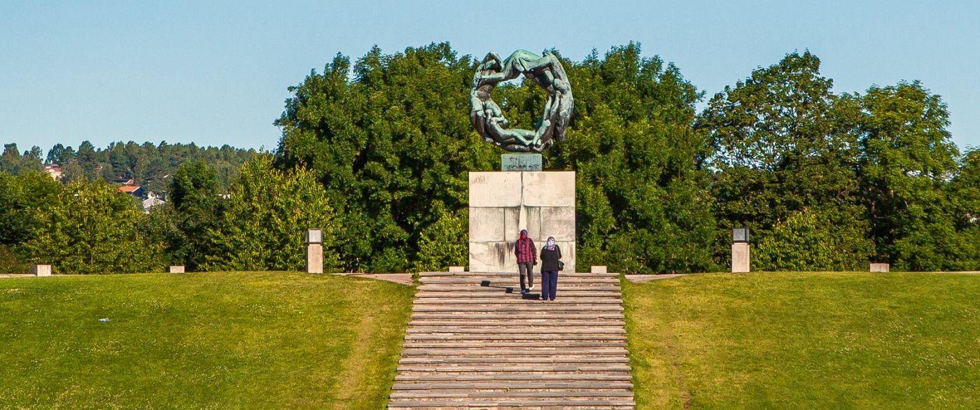 挪威维格兰雕塑公园,很著名的景点_图1-6