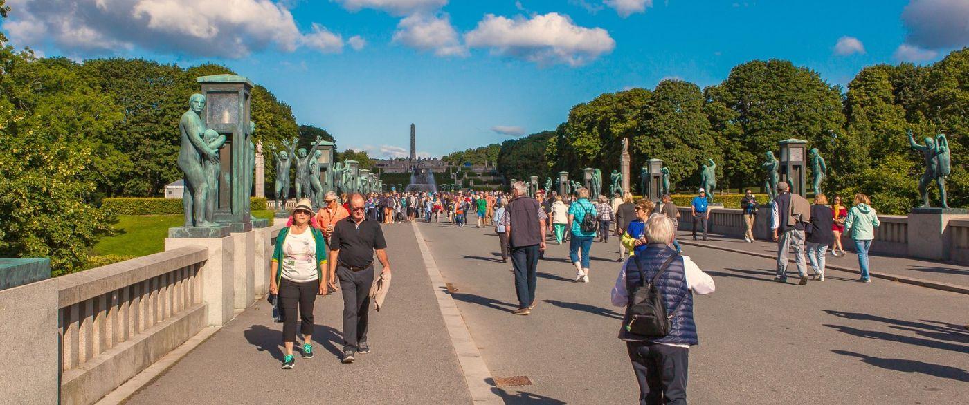 挪威维格兰雕塑公园,很著名的景点_图1-5