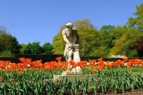 安格尔西修道院花园