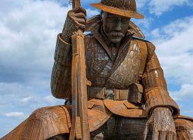 卓越的雕塑-纪念一战后的第一分钟和平