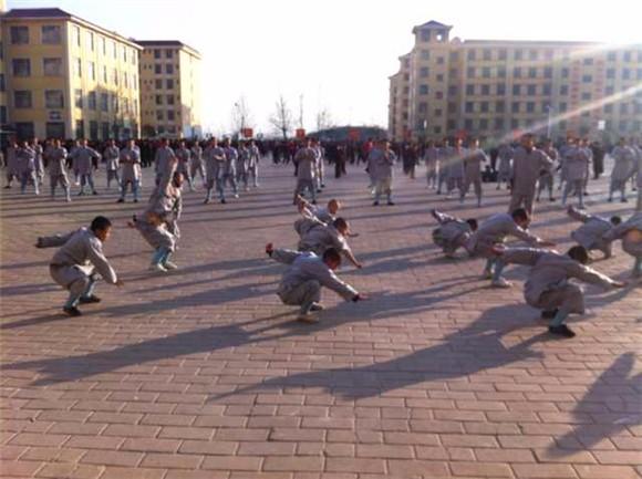 嵩山少林寺武校学生是一天需要练武几个小时吗_图1-1