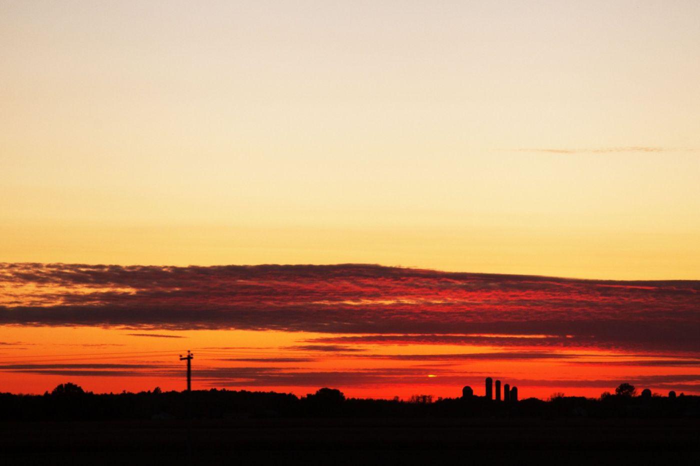 在赴加拿大蒙特利尔观看枫叶的观光火车上拍摄夕阳,别有情趣! ..._图1-19