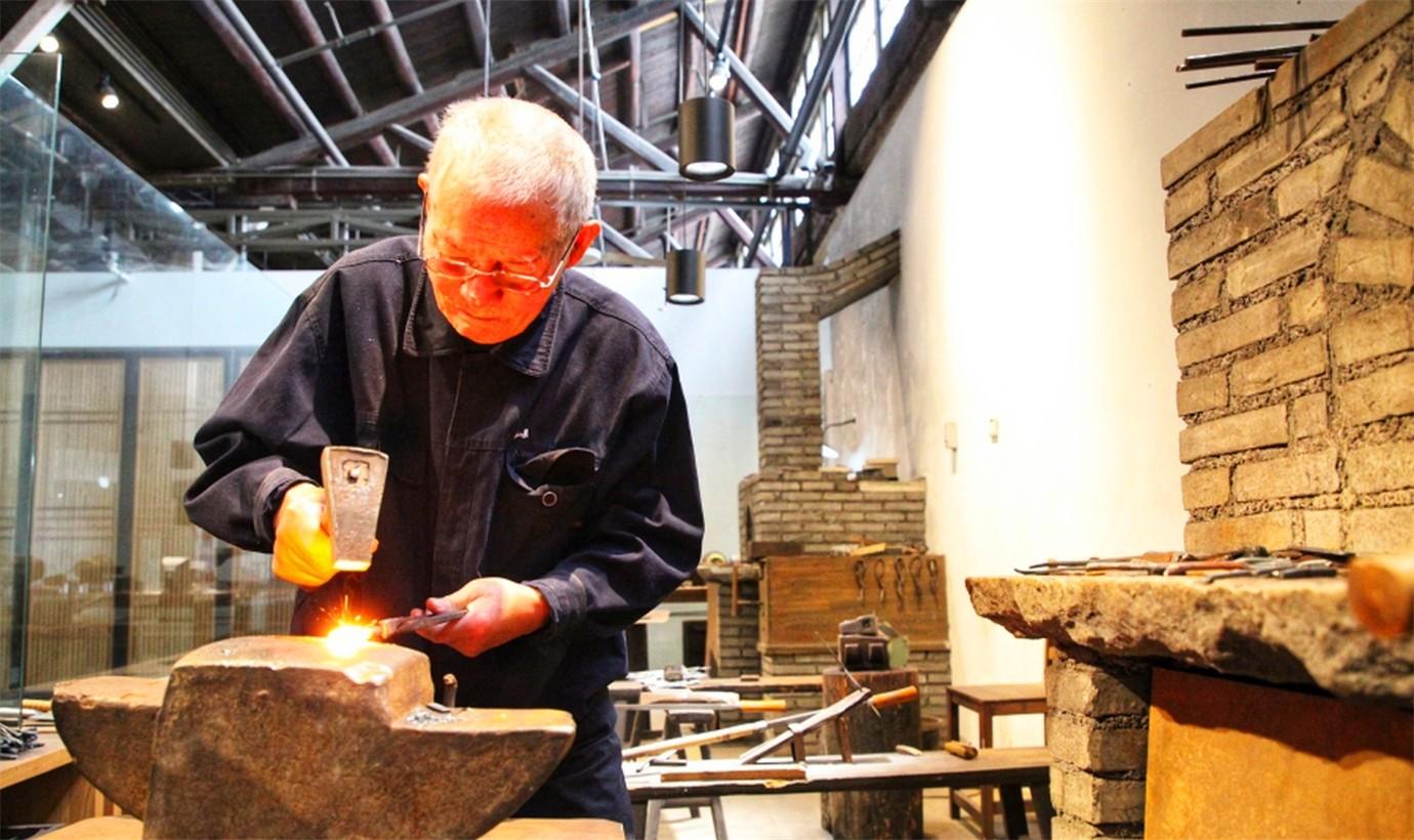 中国最出色的剪刀工匠_图1-3