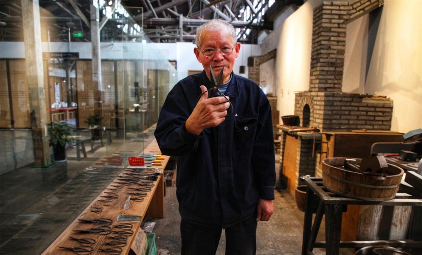 中国最出色的剪刀工匠_图1-6