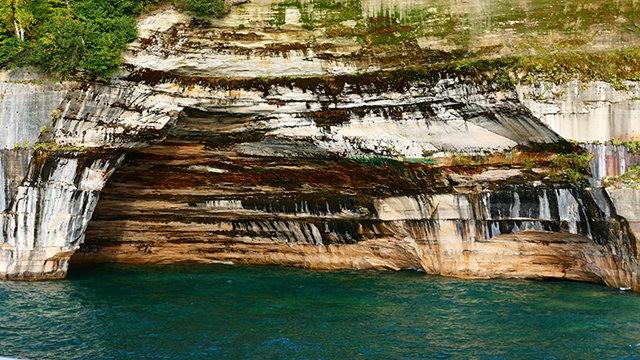 图画岩在密西根_图1-3