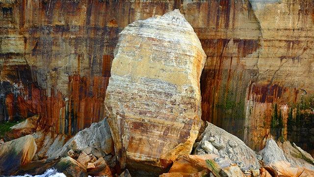 图画岩在密西根_图1-9