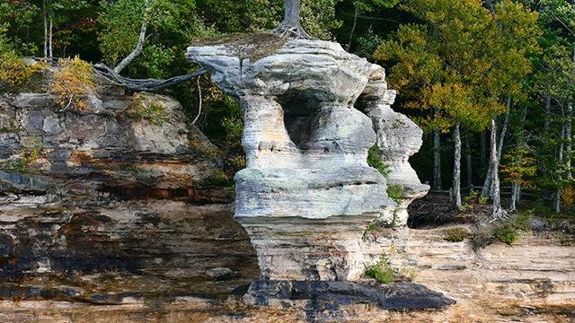 图画岩在密西根_图1-16