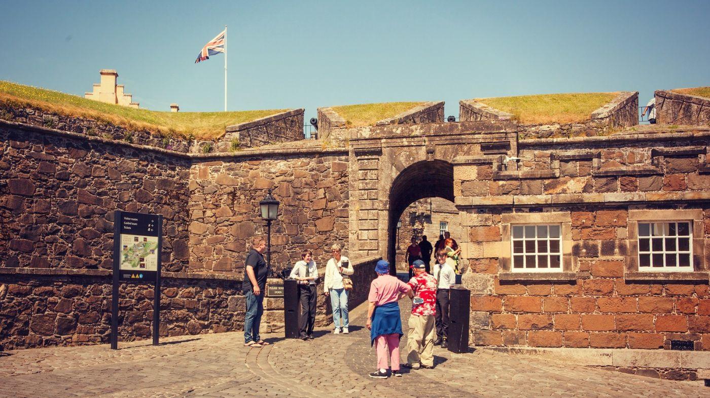 苏格兰斯特灵城堡,炮台林立防守坚固_图1-21