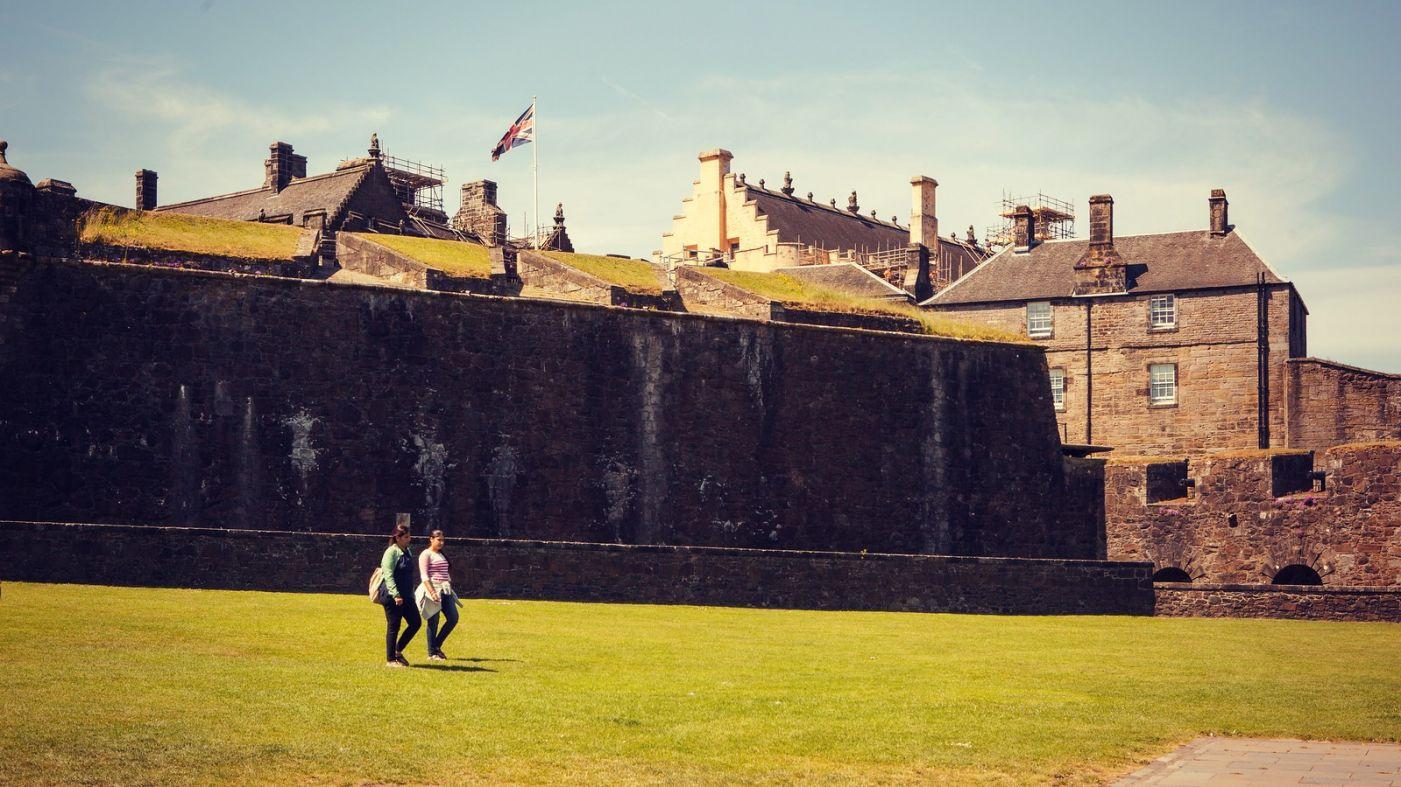 苏格兰斯特灵城堡,炮台林立防守坚固_图1-18