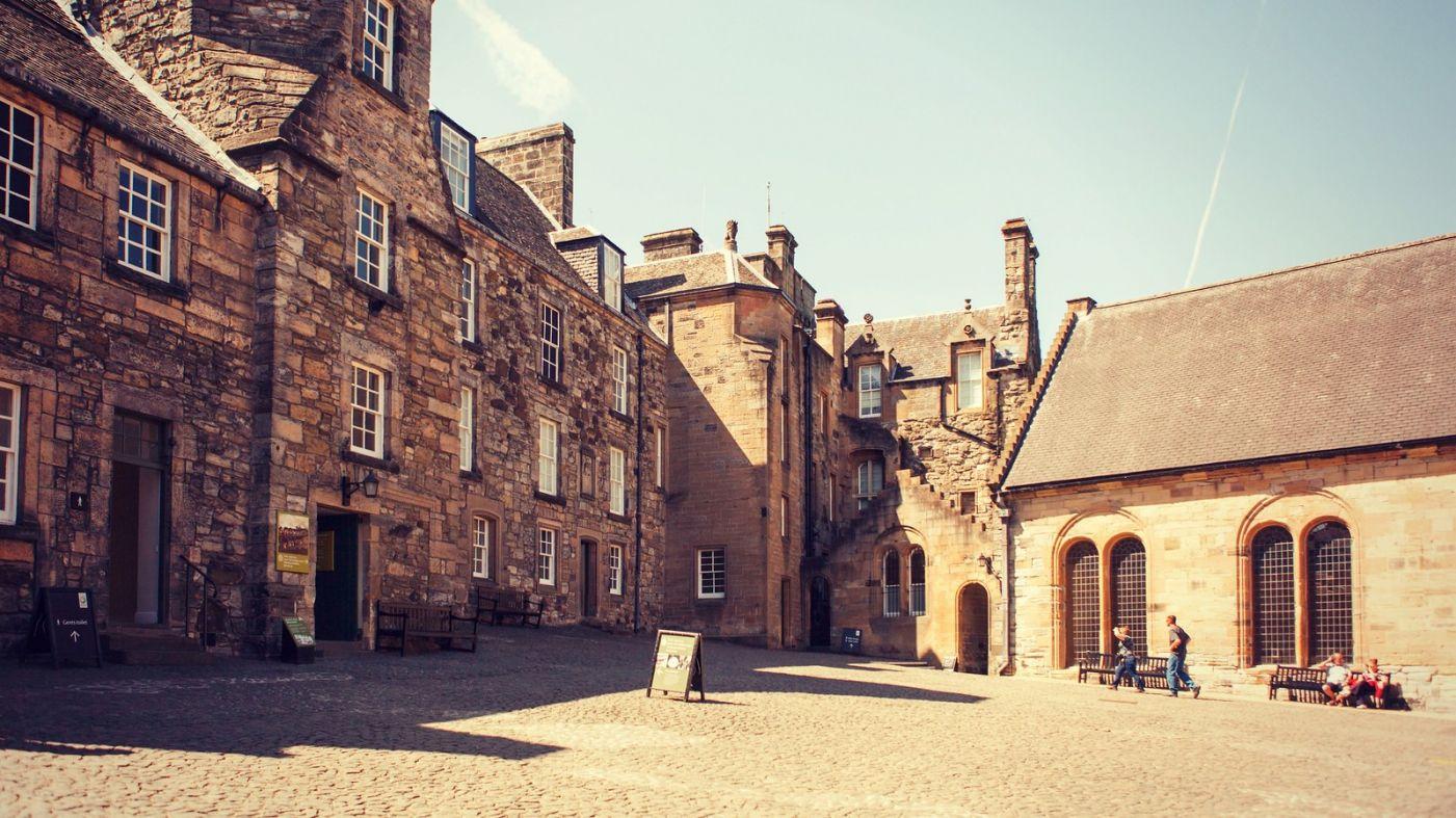 苏格兰斯特灵城堡,炮台林立防守坚固_图1-16