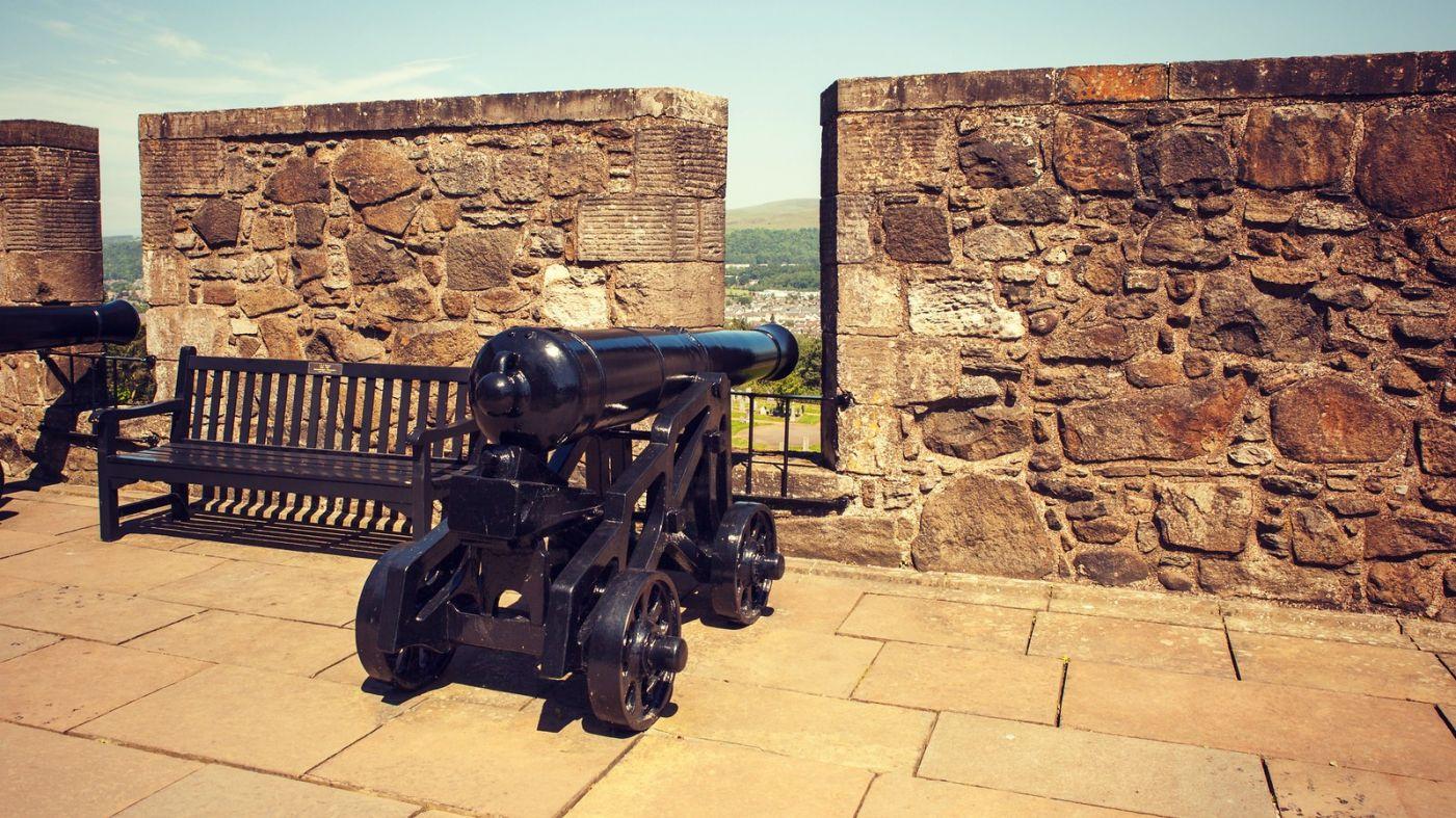 苏格兰斯特灵城堡,炮台林立防守坚固_图1-15