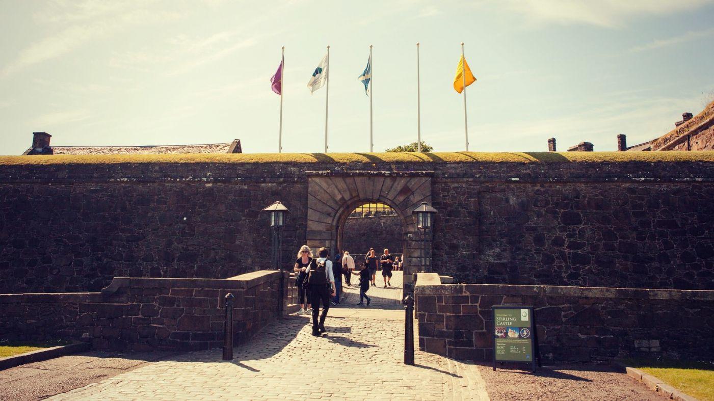 苏格兰斯特灵城堡,炮台林立防守坚固_图1-13
