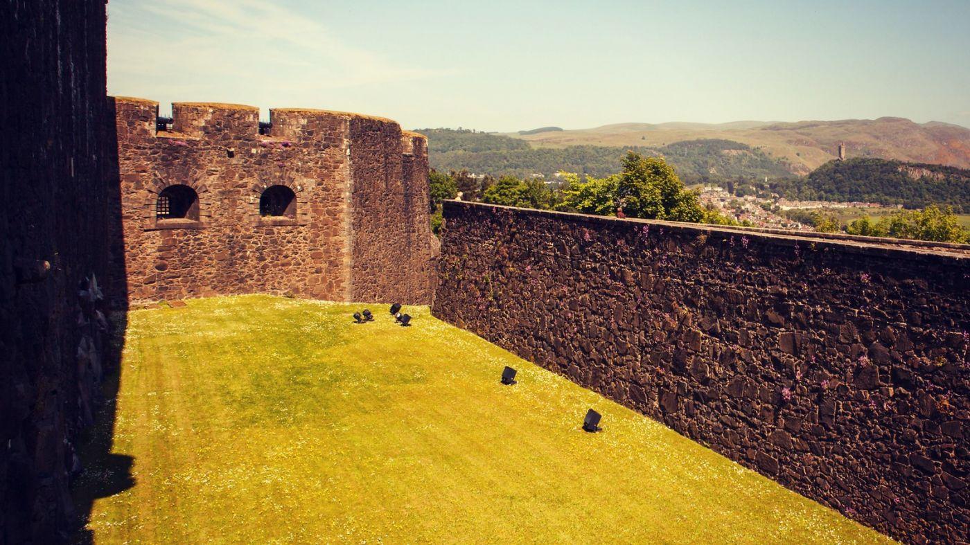 苏格兰斯特灵城堡,炮台林立防守坚固_图1-14