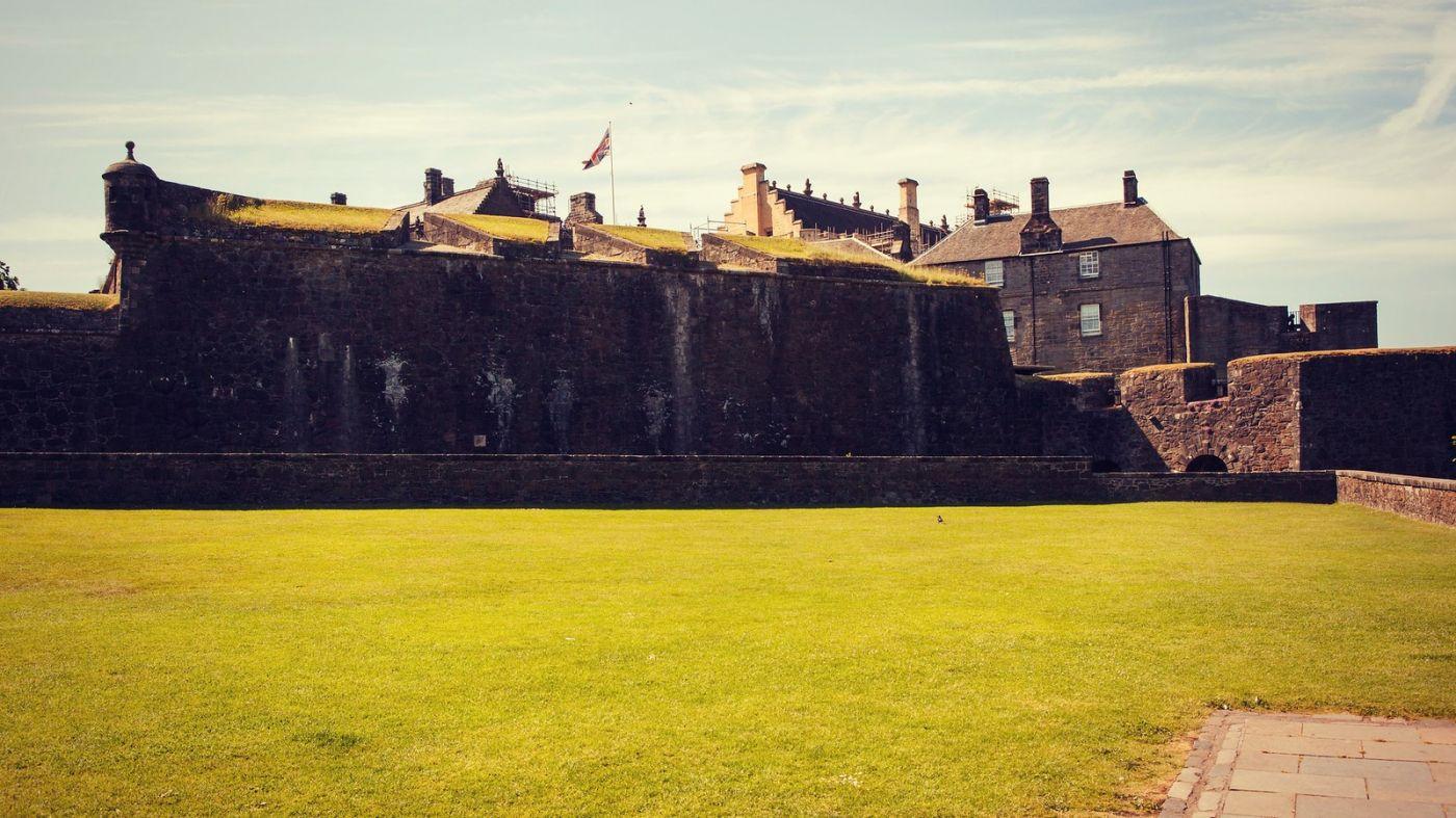 苏格兰斯特灵城堡,炮台林立防守坚固_图1-10