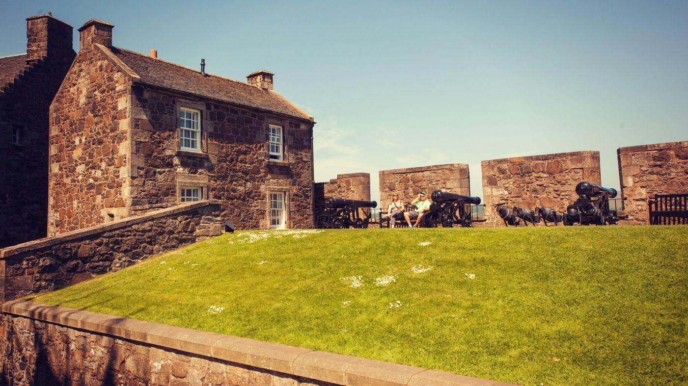 苏格兰斯特灵城堡,炮台林立防守坚固_图1-1