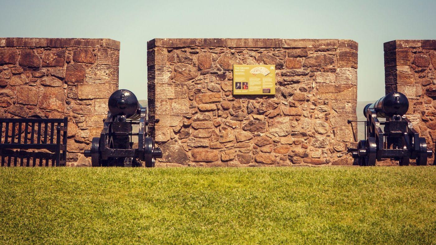 苏格兰斯特灵城堡,炮台林立防守坚固_图1-4