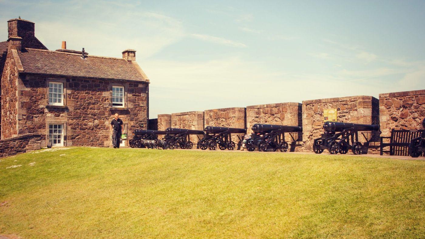 苏格兰斯特灵城堡,炮台林立防守坚固_图1-8