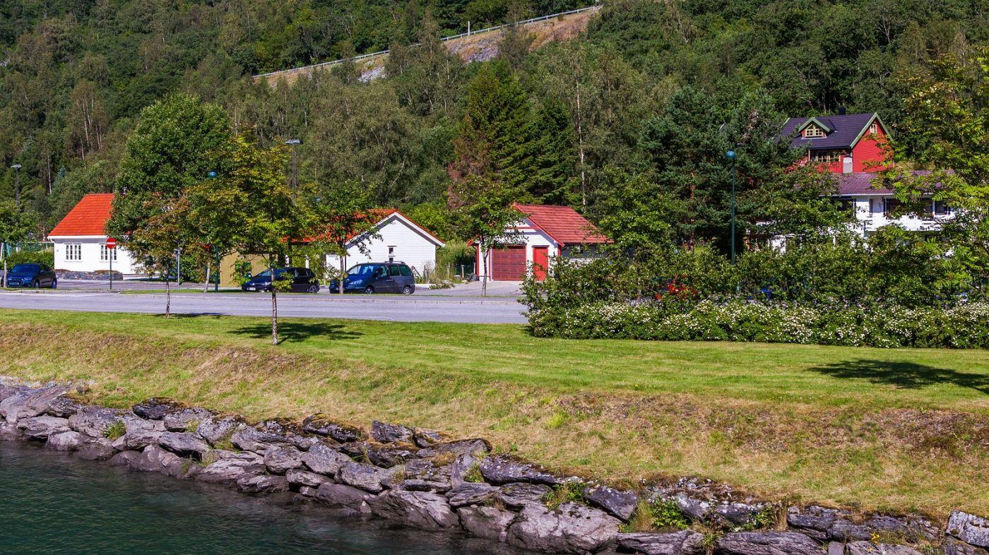 挪威弗拉姆铁路(Flam Railway),被山环绕的小站_图1-14