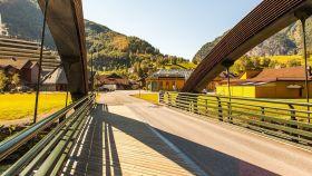 挪威弗拉姆铁路(Flam Railway),被山环绕的