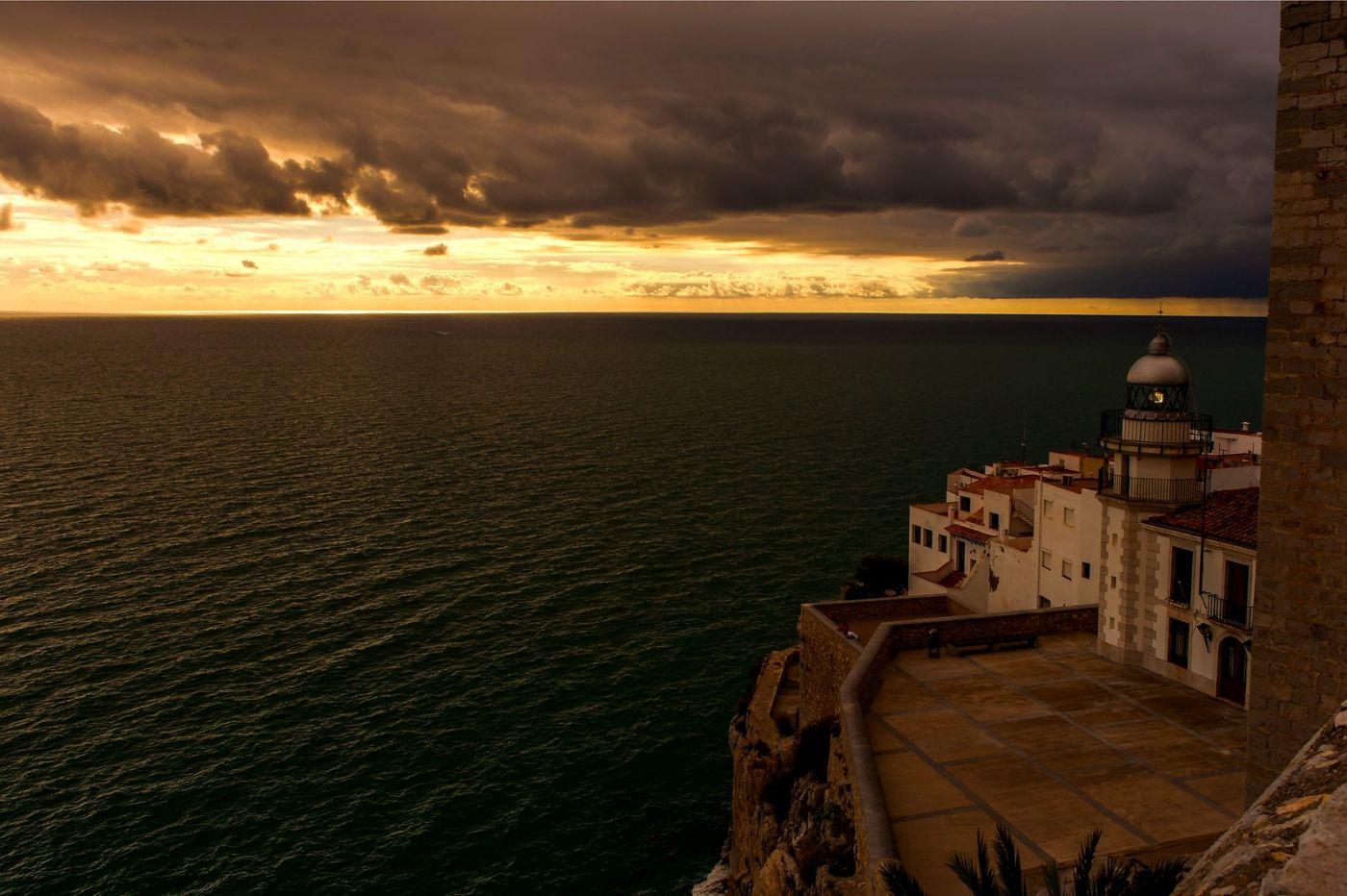 西班牙佩尼伊斯科拉(Peniscola),海边的景色令人神往_图1-11