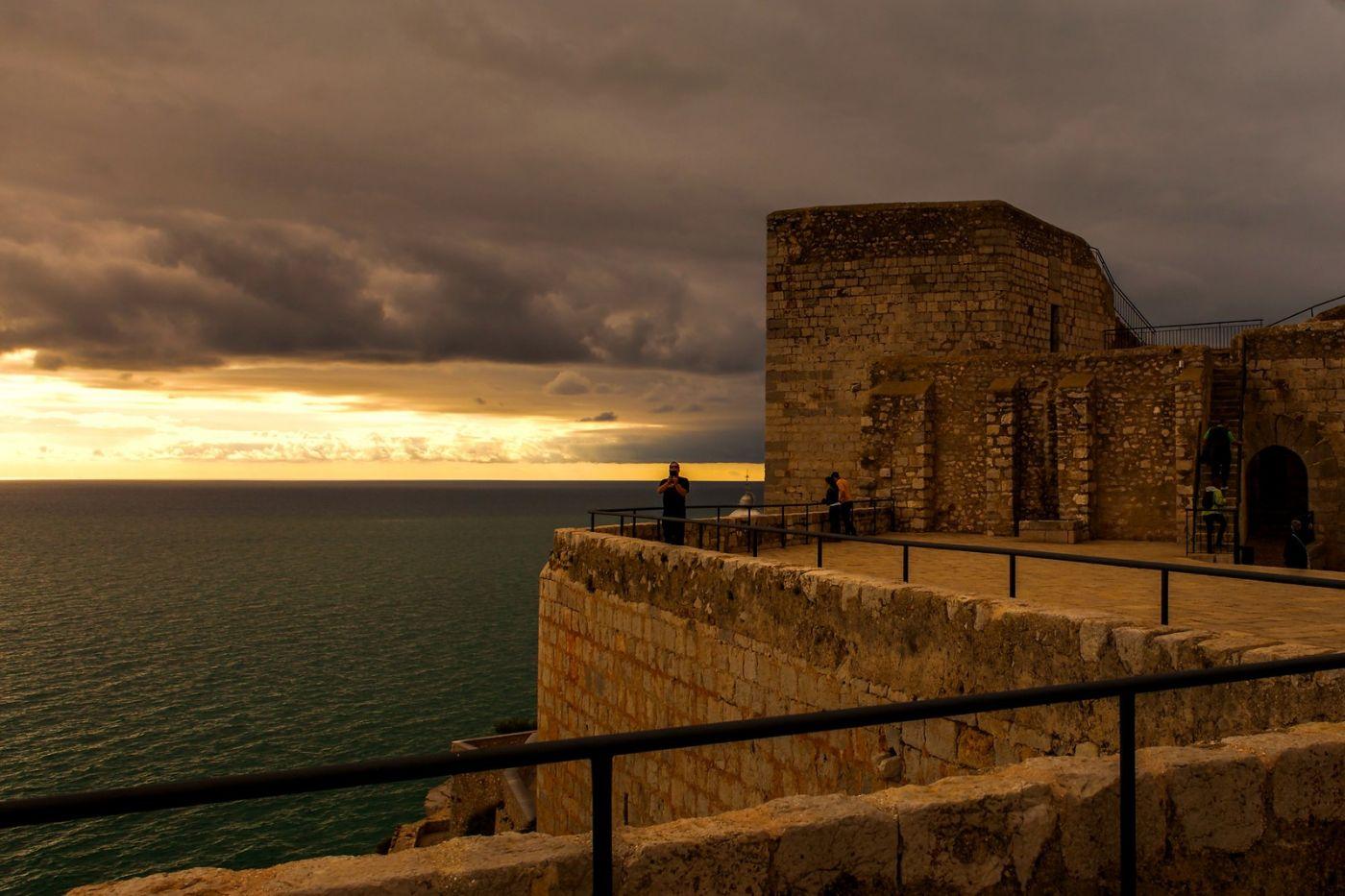 西班牙佩尼伊斯科拉(Peniscola),海边的景色令人神往_图1-2