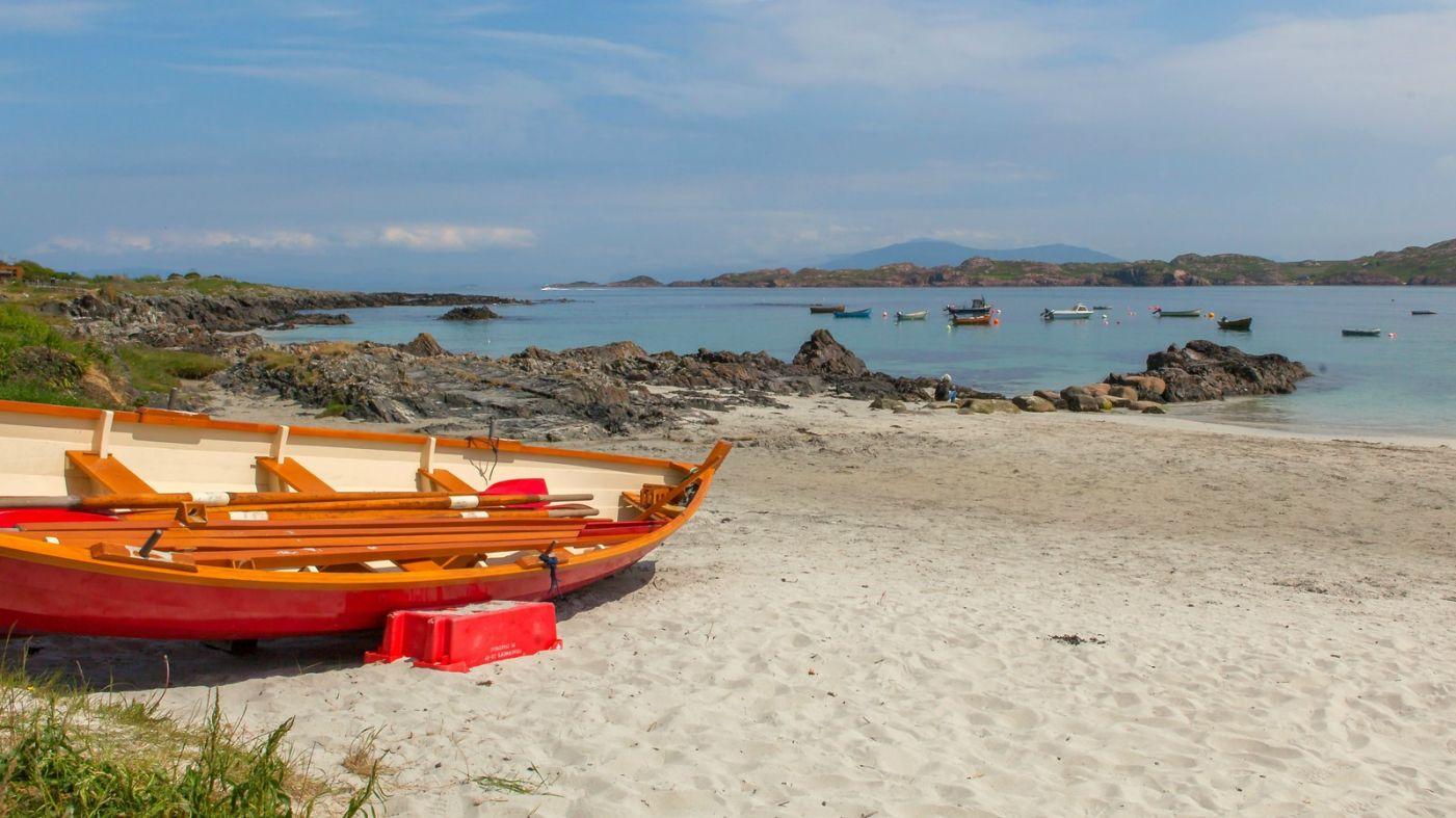 苏格兰见闻,海边的小红船_图1-5