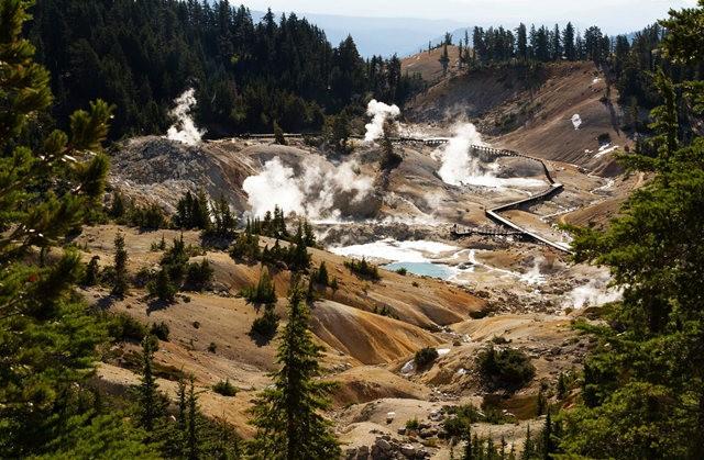 拉森火山的Bumpass Hell_图1-8