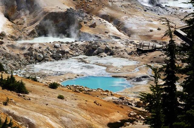 拉森火山的Bumpass Hell_图1-24
