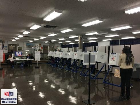 高娓娓:实拍美国中期选举投票日,美国人怎么投票_图1-5