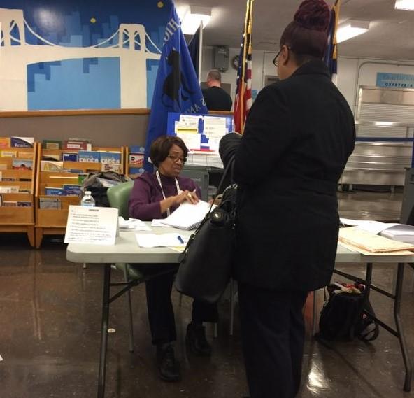 高娓娓:实拍美国中期选举投票日,美国人怎么投票_图1-10