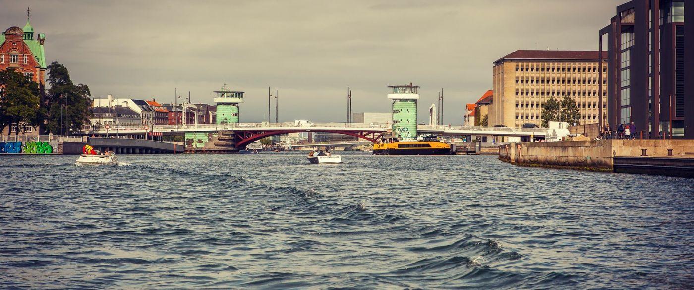 丹麦哥本哈根,坐游船看城容_图1-4